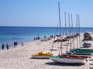 tunis-beach_3355559b