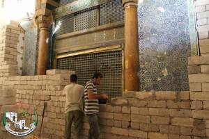 Protecting the tomb of the Prophet Zachariah, inside the Aleppo Great Mosque