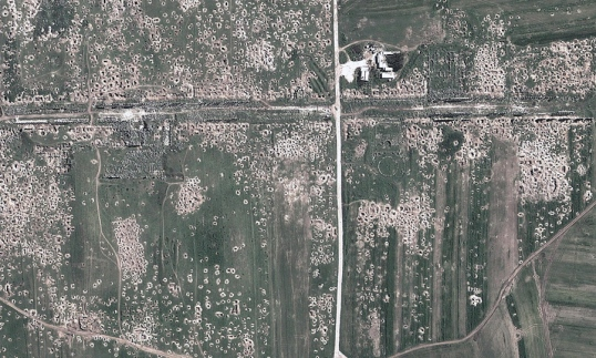 Apamea illicit digging at 4 April 2014, satellite image
