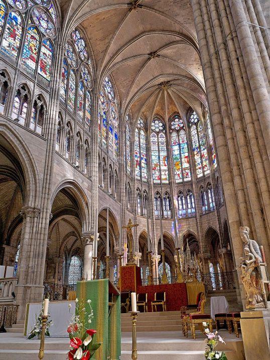 1024px-Coeur_de_la_Basilique_de_Saint-Senis Saint Denis choir by Bordeled